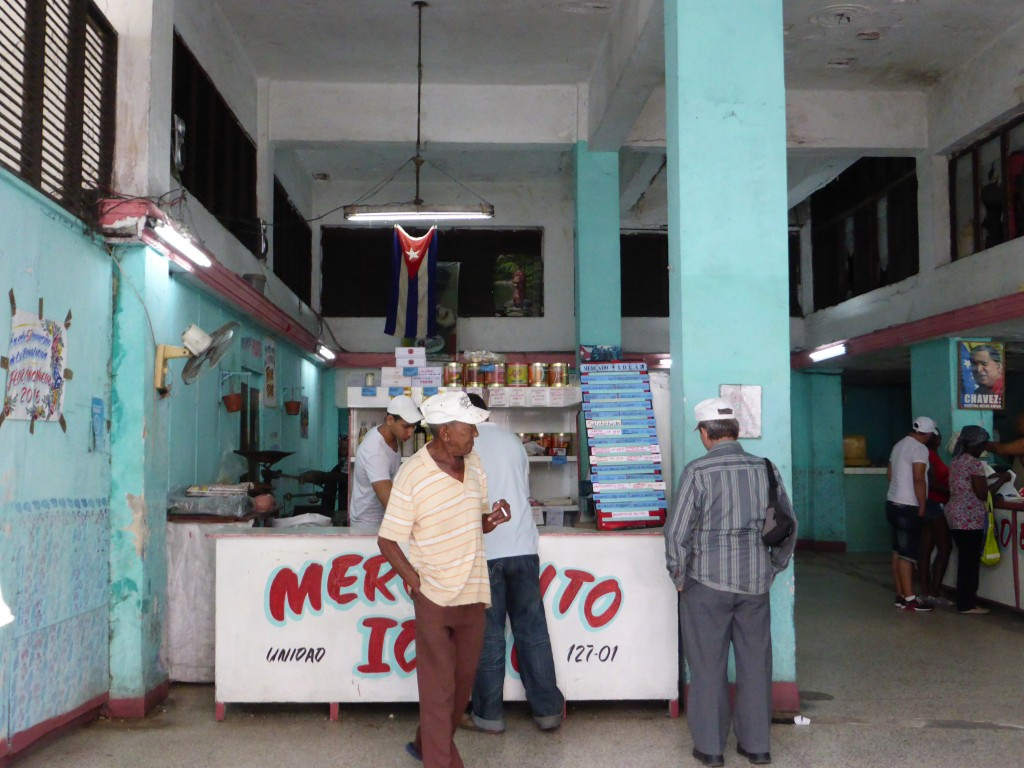 Mercado local. El vedado, La Habana